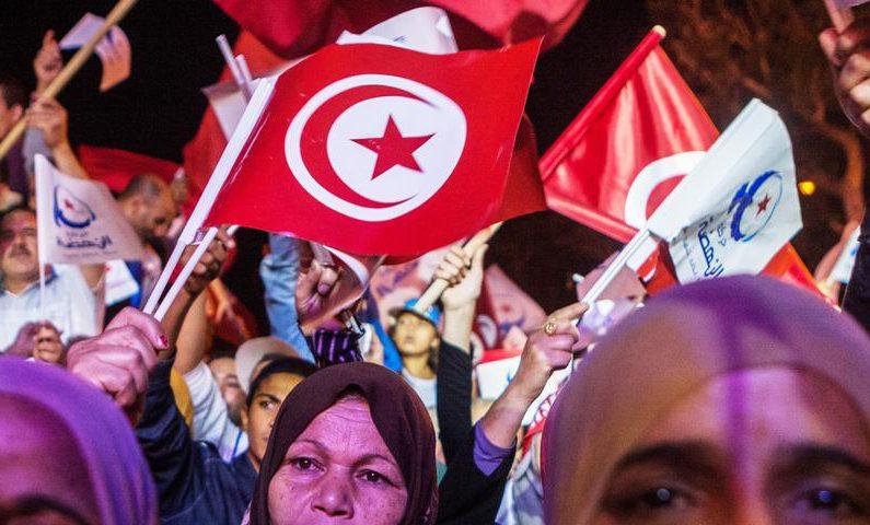 Исламская партия произвела фурор на выборах в Тунисе