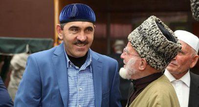 Евкуров пригласил на ифтар заклятого врага