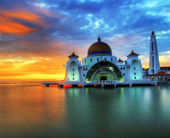 Эти плавающие мечети поразят ваше воображение (ФОТО)