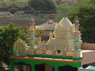 Язычники и суфии молятся в одном храме – как?
