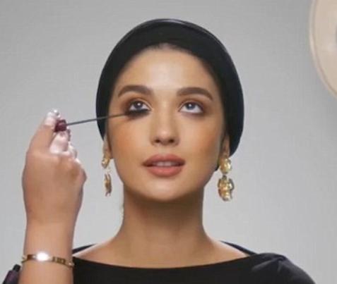 Ролик о важности макияжа на сухуре вызвал хохот в соцсетях (ВИДЕО)