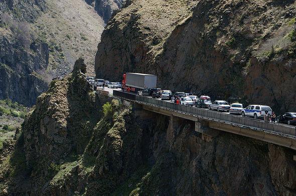 Названа причина неожиданного закрытия Транскавказской автомагистрали