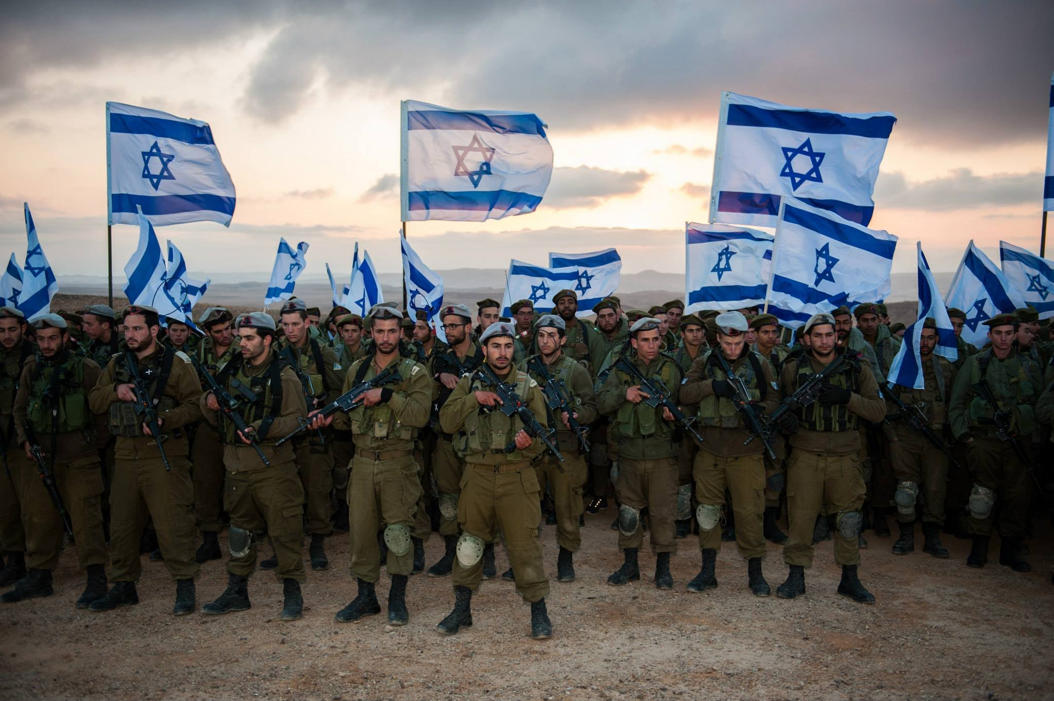Израильские военные доставили десятки тонн помощи в приграничные районы Сирии