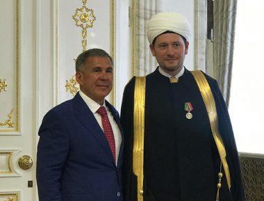 Дамир Мухетдинов награжден орденом за заслуги перед Татарстаном