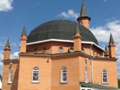 В Подмосковье открылась новая мечеть. На церемонии пожелали успеха сборной РФ по футболу