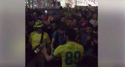 На улицах Москвы танцевали лезгинку. Фанатам в отличие от чиновников понравилось (ВИДЕО)