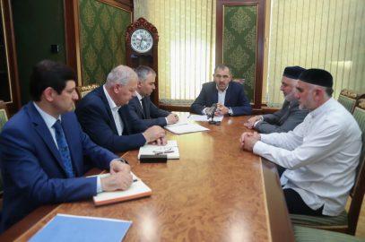 Евкуров призвал чиновников не делить мусульман на вирды и тарикаты