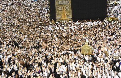 Более 2 млн собралось на заключительный таравих в Заповедной мечети (ФОТО)