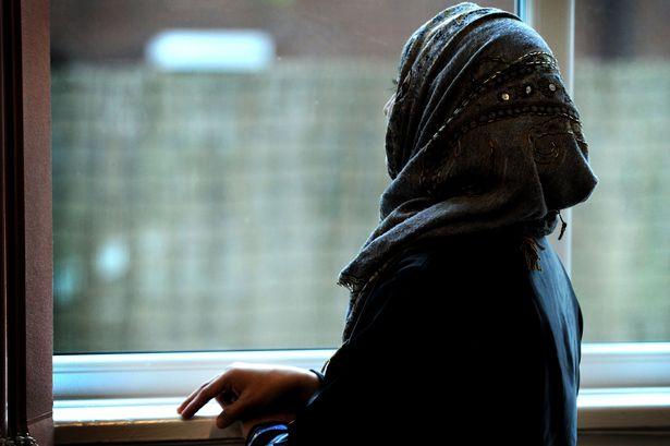В Голландии запретили одежду, без которой ряд мусульманок чувствуют себя обнаженными