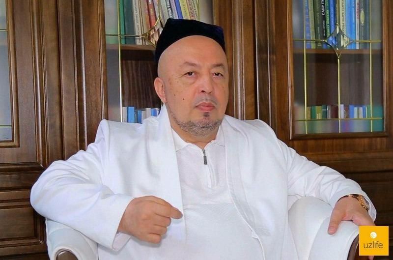 На фото: Анвар-кори Турсунов