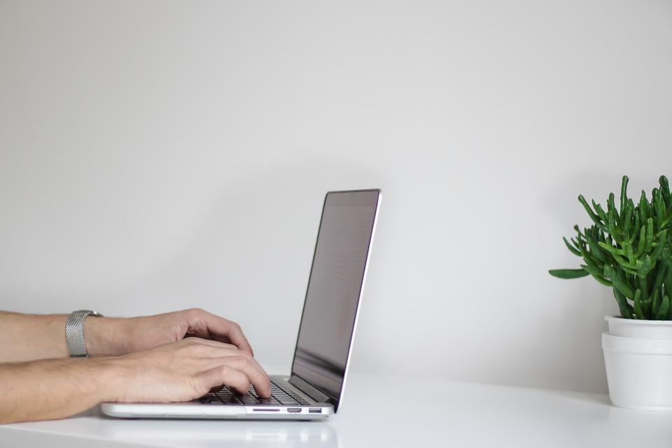 Почему компании стоит заказать разработку своего сайта?