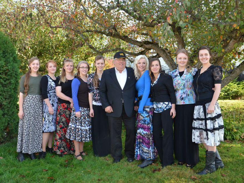 Суд пожалел мормона за десятки малолетних жен и 149 детей