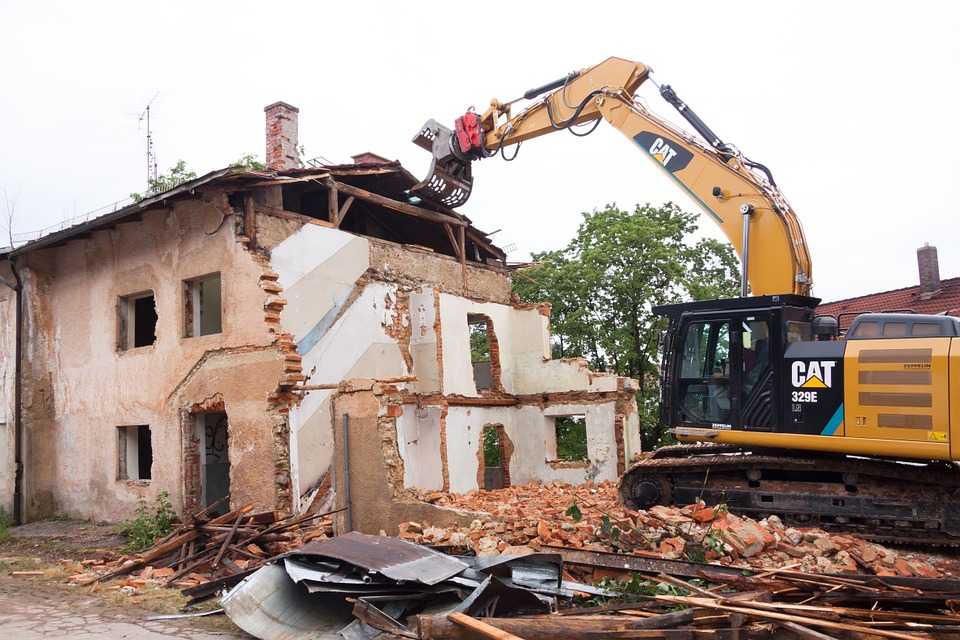 Важность профессионального подхода к демонтажу и сносу сооружений