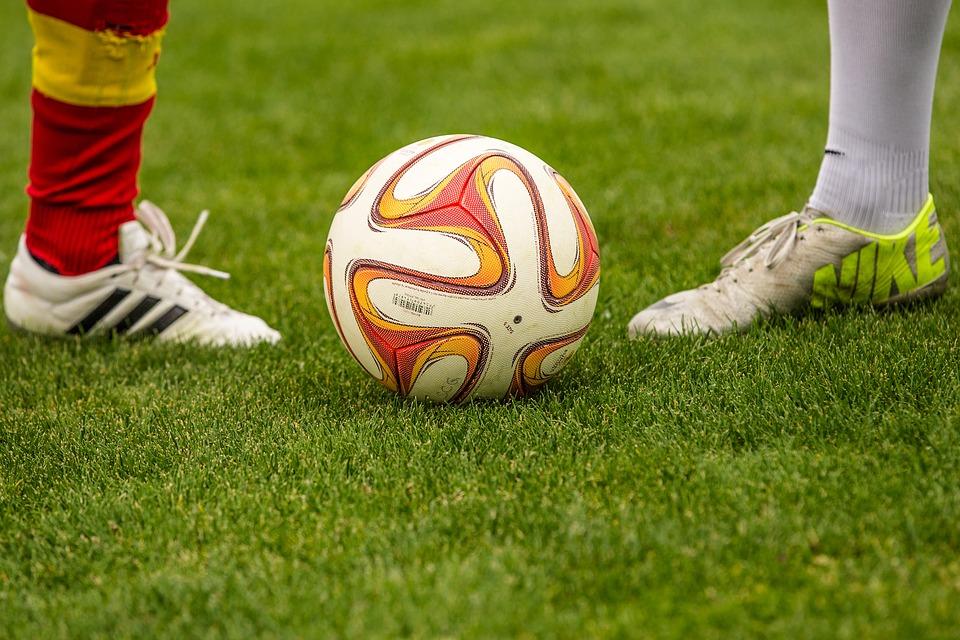 Почему футбол так популярен в наши дни?
