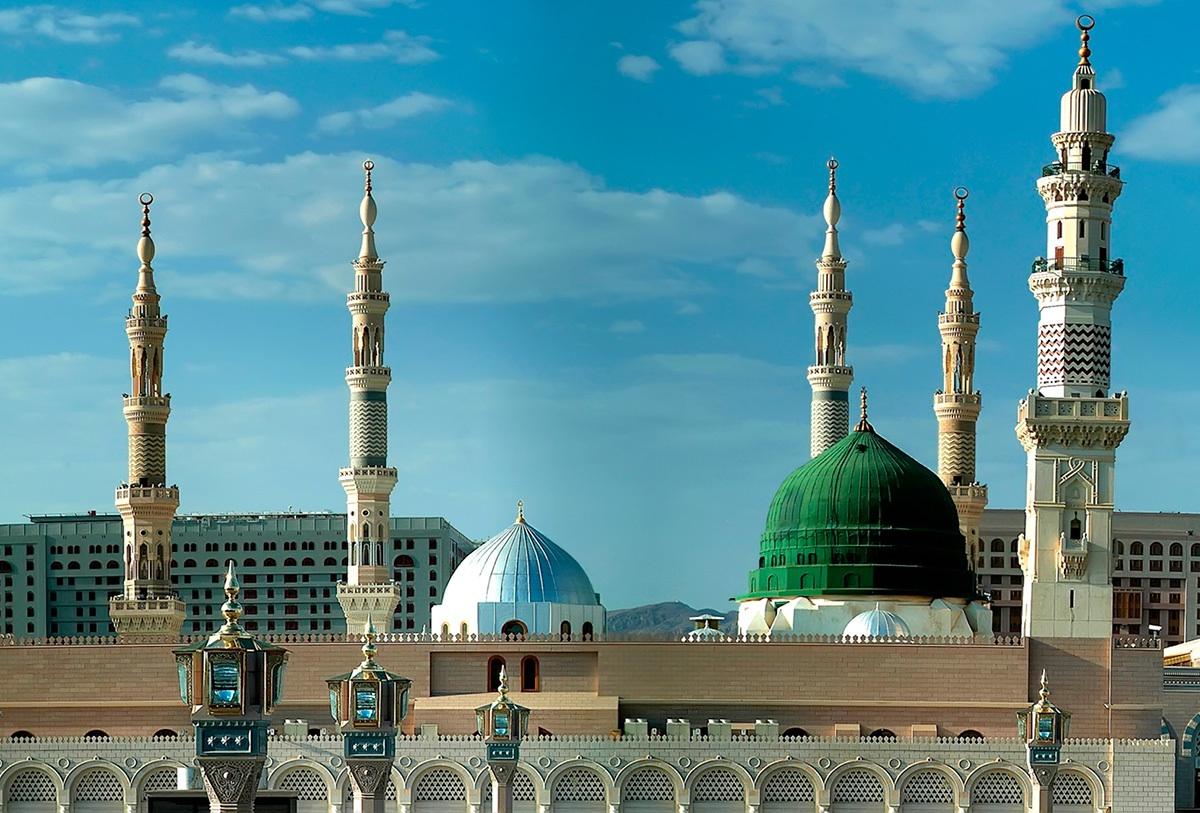 В мечети Пророка установили кровати (ВИДЕО)