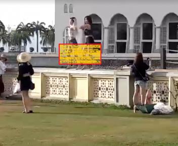 Эротический танец на фоне мечети не оставил равнодушных