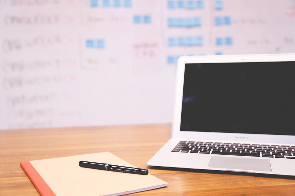 Уникальные особенности поиска работы через Интернет