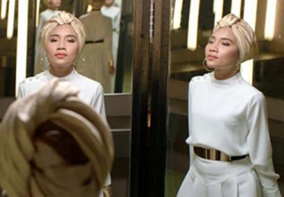 Певица в хиджабе стала лицом шампуня Pantene в рекламе (ВИДЕО)