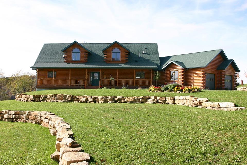 Достоинства строительства дома из дерева с компанией «Северный лес»