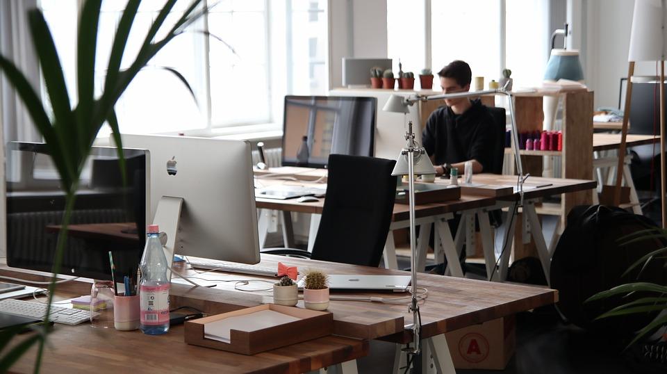 Правила выбора качественной и стильной офисной мебели