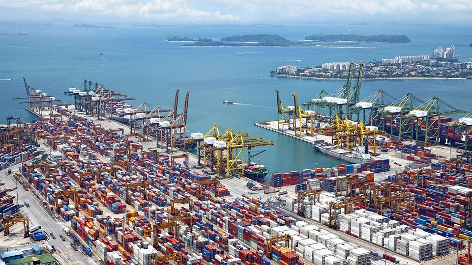 Нюансы осуществления международных грузовых перевозок