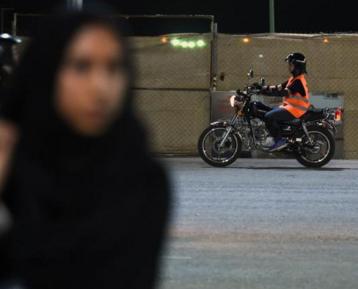 Саудовские женщины готовятся оглушить королевство ревом моторов