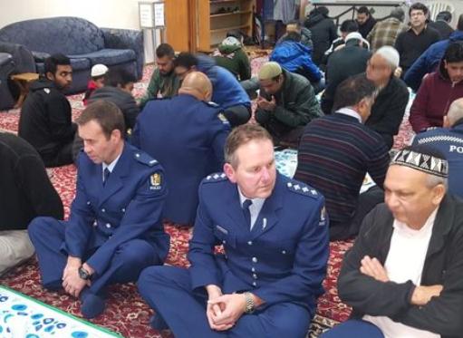 Ифтар в мечети Эйвондейла