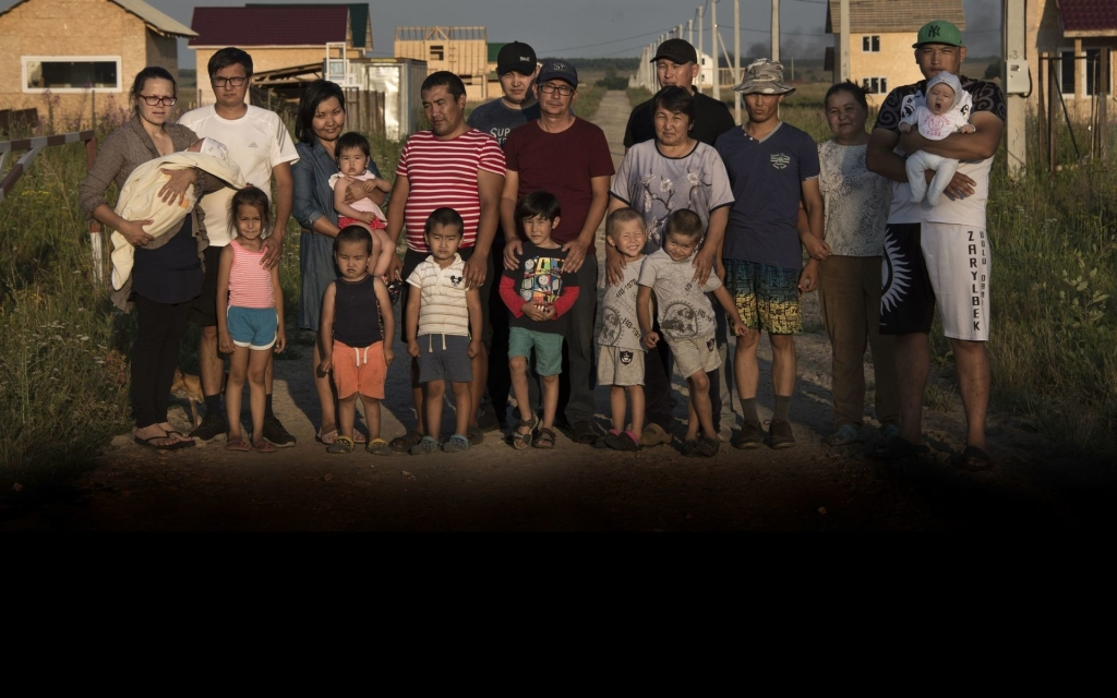 Жители д.Клищино. Фото: Виктория Одиссонова / «Новая газета»