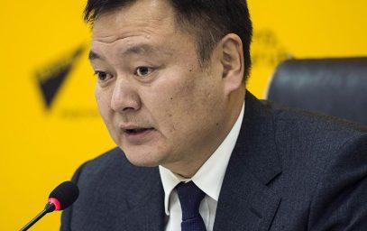 """Киргизский экс-вице-премьер рассказал о """"взрывной"""" мести курсантки за комплимент"""
