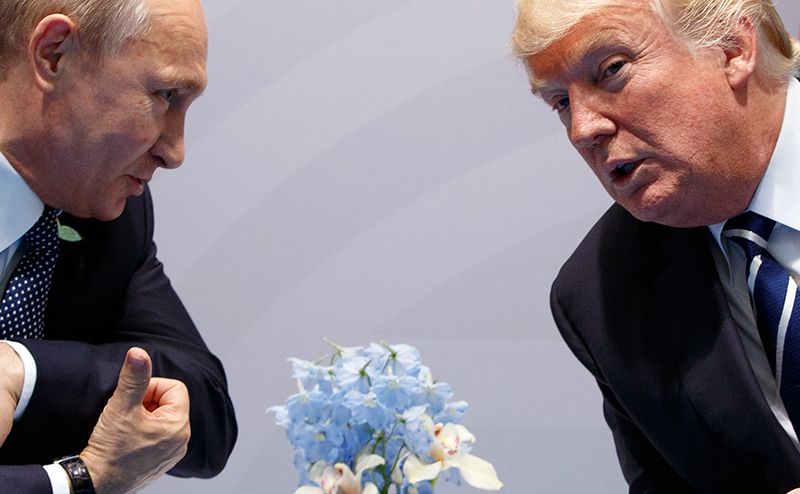 Владимир Путин и Дональд Трамп на встрече в Хельсинки