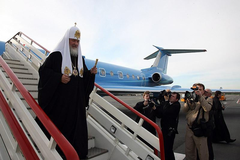 Стало известно, откуда у патриарха Кирилла частный самолет
