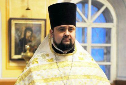 """Священник на """"ауди"""" пошел на обгон и умер страшной смертью (ФОТО)"""