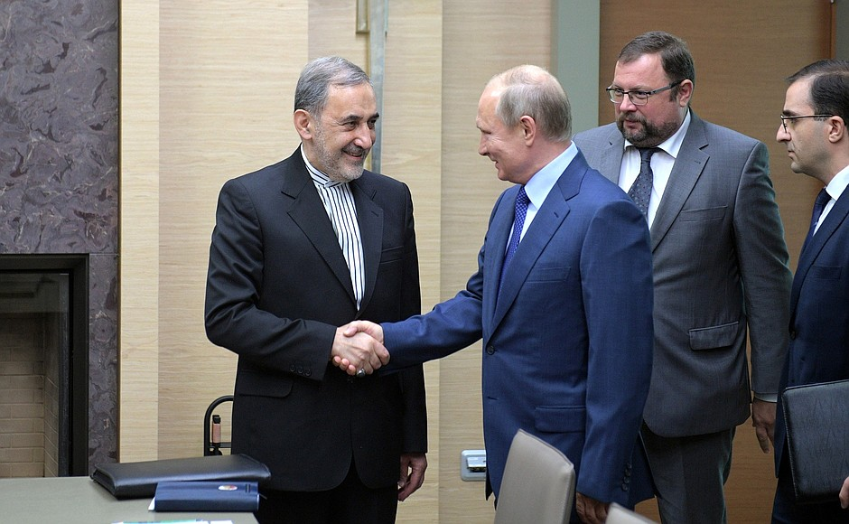 Владимир Путин и Али Акбар Велаяти (Фото: Kremlin.ru)