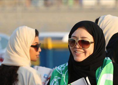 Саудовские девушки массово рвутся покорять небо