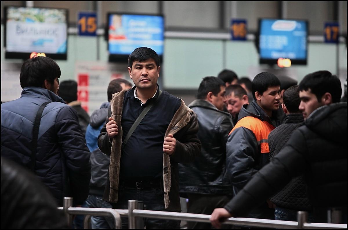 Мигранты обогатили Киргизию на рекордную сумму