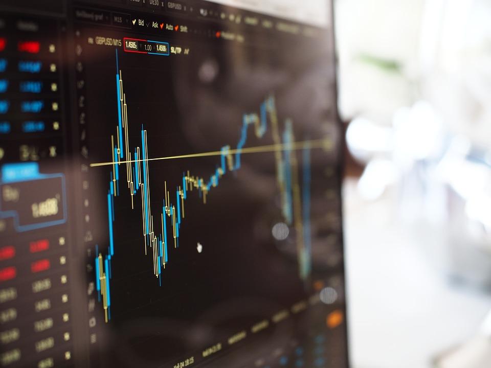 Чем привлекательны инвестиции в акции и их покупка на бирже?