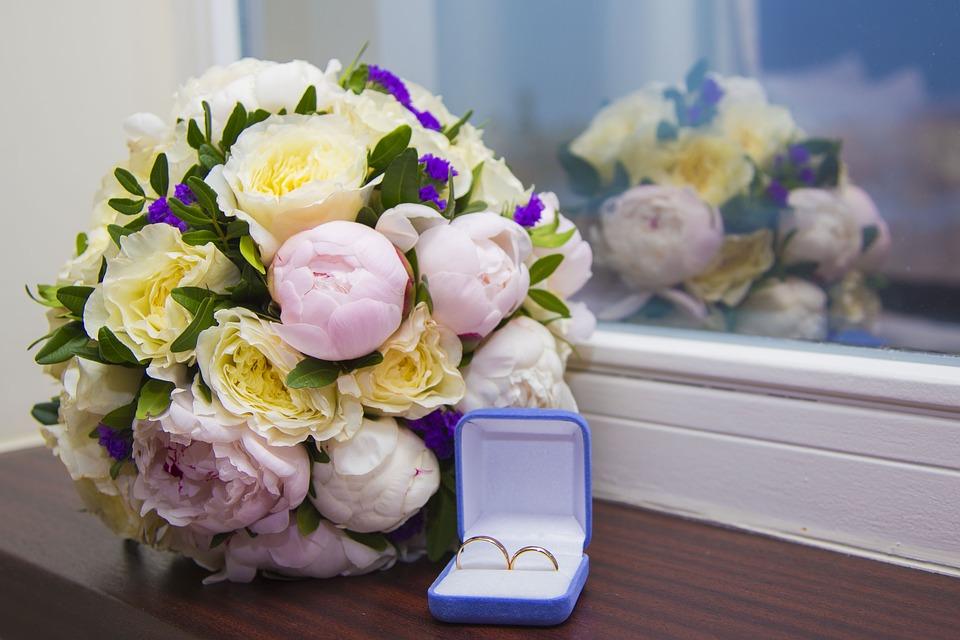 Почему интересным вариантом являются кольца для супругов на заказ?