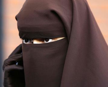Мусульманок самых строгих устоев лишат свободы