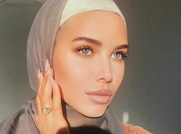 Подруга Тимати облачилась в хиджаб
