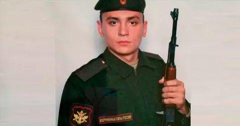 Старший лейтенант Олег Леонтьев