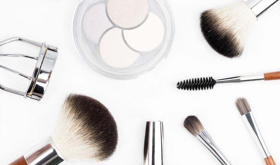Как следует выбирать безопасную и качественную косметику?