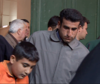 Мусульмане вышли из мечети после намаза и не поверили своим глазам