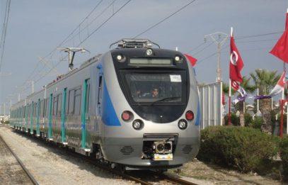 Поезд на тот свет. В Тунисе пассажиры пришли в ужас, узнав, кто вез их на огромной скорости (ВИДЕО)