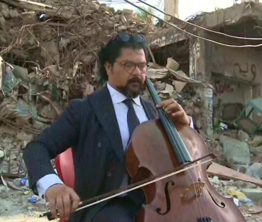 Арабский Ростропович произвел фурор выступлением на руинах Мосула (ВИДЕО)
