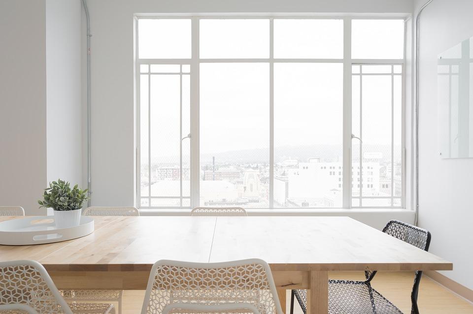 Достоинства выбора металлопластиковых окон для дома