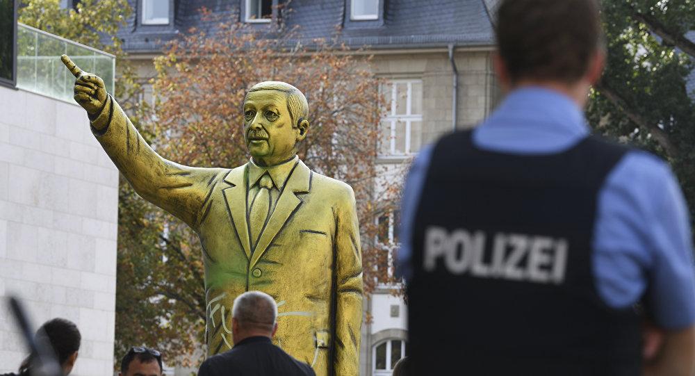 В Германии появился золотой Эрдоган