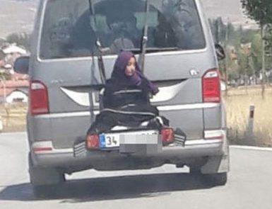 Задержан водитель, шокировавший Турцию привязанной к едущей машине женщиной (ВИДЕО)
