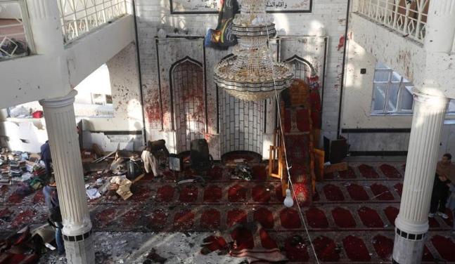 Смертник взорвал мусульман во время намаза