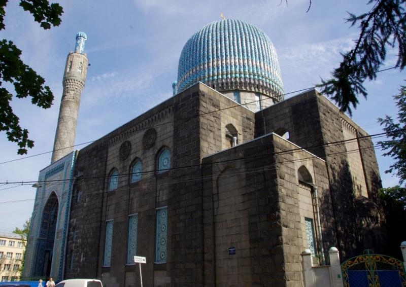 Суд определил судьбу петербуржца, проломившего голову пенсионеру в мечети
