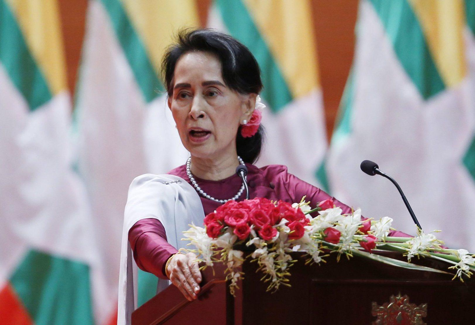 Мьянма призвала Бангладеш свернуть помощь мусульманам-рохинья